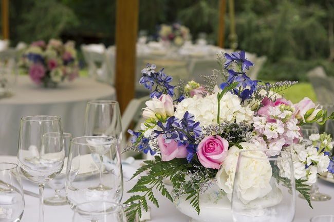 5 Ways To Keep Wedding Flowers Fresh This Summer