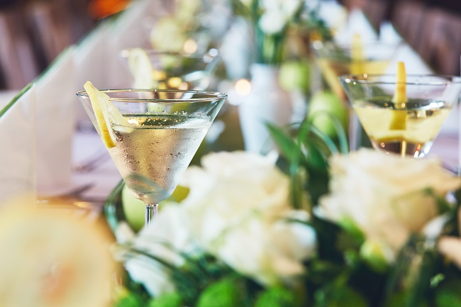 5 Ways to Keep Guests Comfortable at an Outdoor Wedding Venue