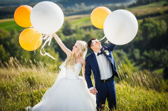 Pick an Outdoor Venue for Your Collegiate Theme Wedding