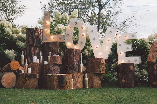 3 Easy DIY Projects for Your Rustic Wedding