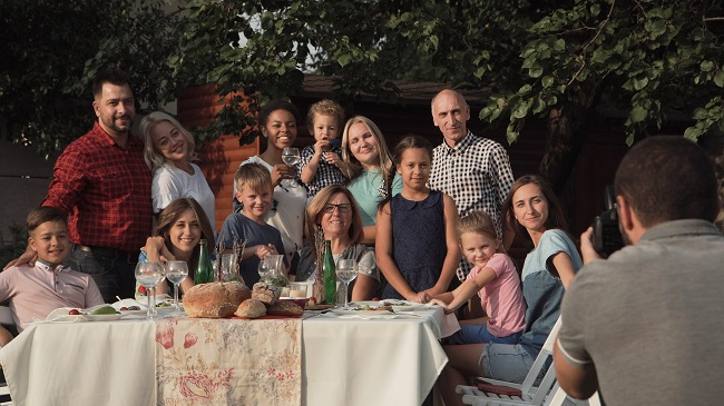 5 Icebreakers for a Successful Family Reunion