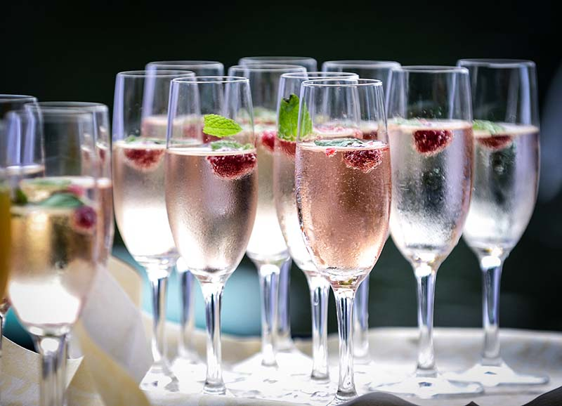Amazing Cocktail Hour Ideas Your Guests Will Love