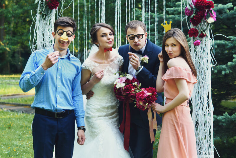 5 Ways to Make Your Big Wedding and Reception Feel More Intimate